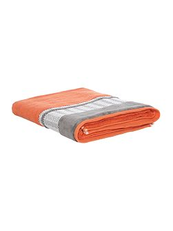 Zig zag border bath sheet burnt orange