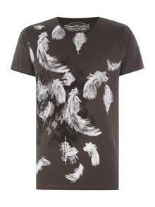 Feathers Graphic Crew Neck T-shirt