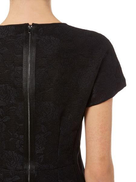 Ellen Tracy Bonded lace top with piping