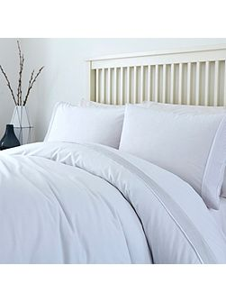 White pleats duvet cover set