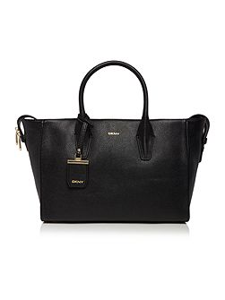 Chelsea black tote bag