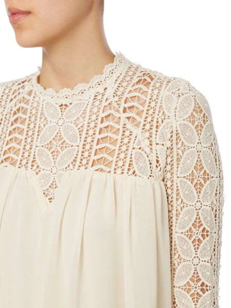 Red Soul Blouse with laced neck and sleeves