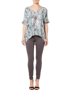 Gray & Willow Rockpool print top