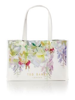 Ferrian White tote bag with flip flop