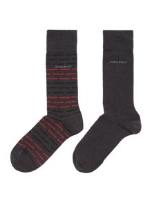 2 pack of stripe and solid socks