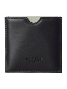 Radley Chin wag black mirror