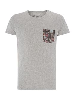 Floral Contrast Pocket Short Sleeve T-shirt