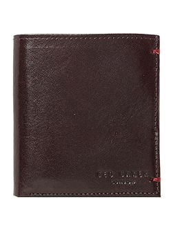 Small wallet with contrast inside