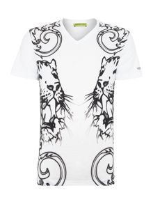 Slim fit v neck mirrored print t shirt