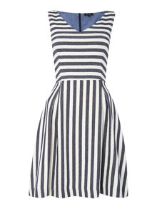 Sleeveless v neck stripe dress