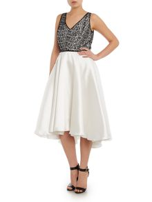 Carmen Marc Valvo Infusion Lace bodice V neck dress