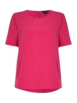 Short sleeve round neck top with pockets