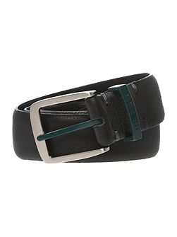 Contrast colour detail belt