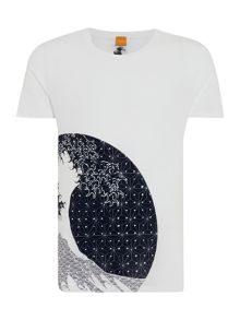 Tomsin 5 regular fit wave print t shirt