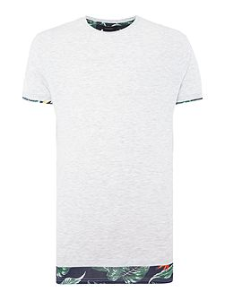 Dokati regular fit hem print crew neck tee