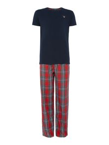 Gant Check pant and crew neck t-shirt gift set