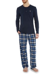 Gant Flannel pant and long sleeve t-shirt gift set