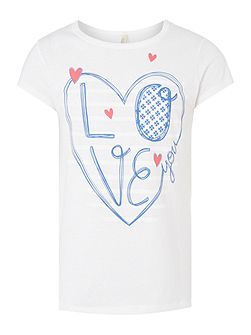 Girls Love heart graphic tee