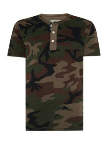 Regular fit camo henley flag placket t shirt