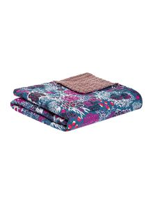 Linea Reversible pattern bedspread, purple