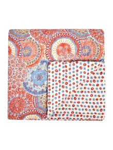 Linea Reversible pattern bedspread, red