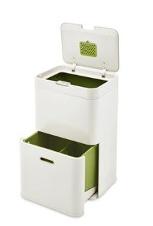 Kitchen Bins & Composting
