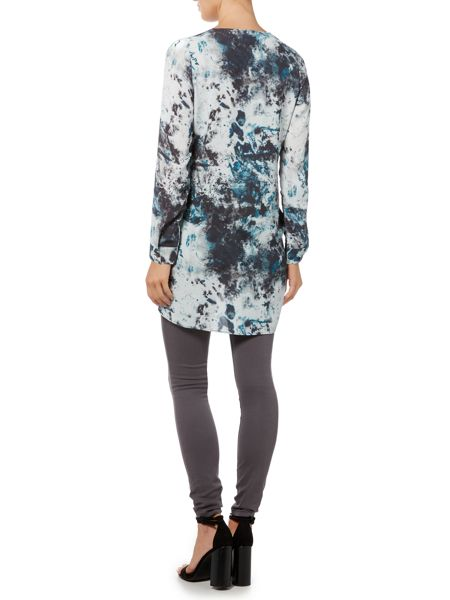 Gray & Willow Kivi print hi low cross over blouse