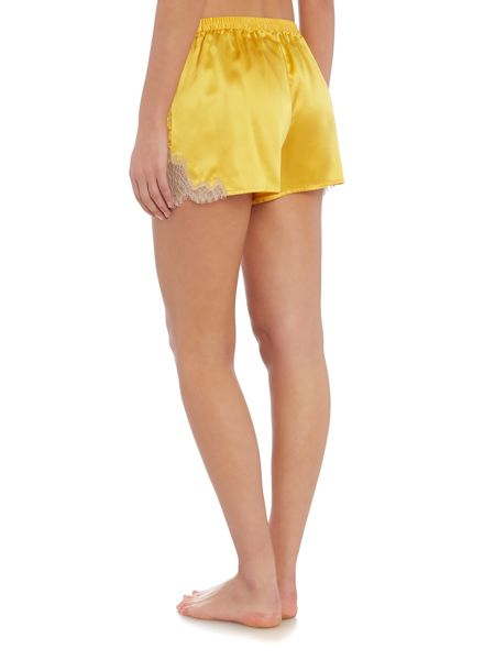 Ginia Chantillly lace short
