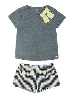 Baby girls T-shirt and shorts set