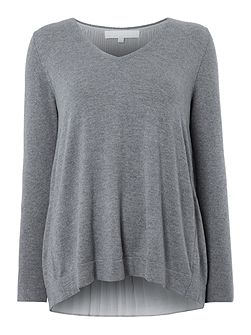 Graduated Pleat Back V Neck Jumper