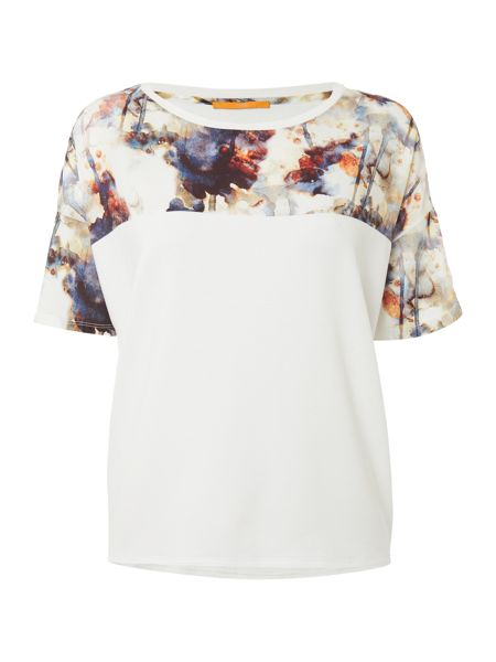 Hugo Boss Tamodern short sleeve contrast print top