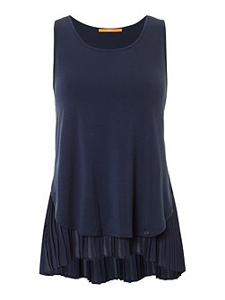 Top sleeveless top with pleated hem