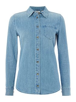 The Easton denim shirt in blue light