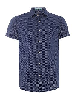 Shortsleeve blue shirt.