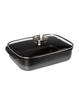Black cast aluminium roaster with lid