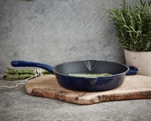 Linea Midnight blue cast iron frypan 26cm