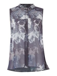 Gray & Willow Fjell print pleat back blouse