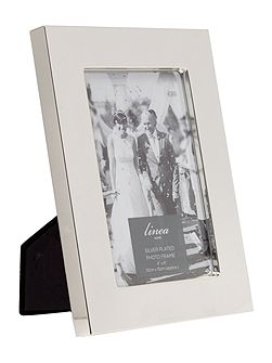 Wide Silver plated photo frame 4x6