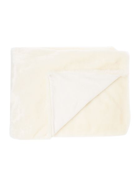 Linea Luxe faux fur throw, cream