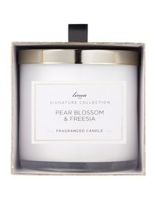 Linea Signature Pear Blossom & Freesia Candle