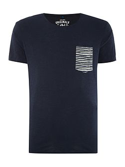 Raw Stripe Pocket Crew Neck T-shirt