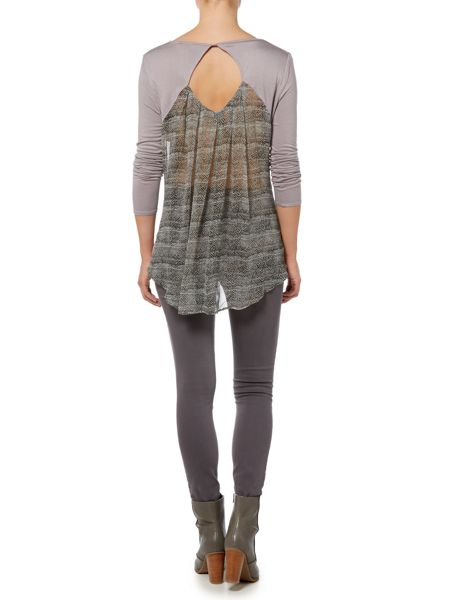 Gray & Willow Varni print pleat back jersey top