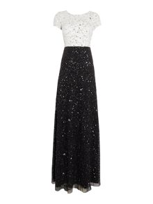 Adrianna Papell Monochrom all over beaded gown