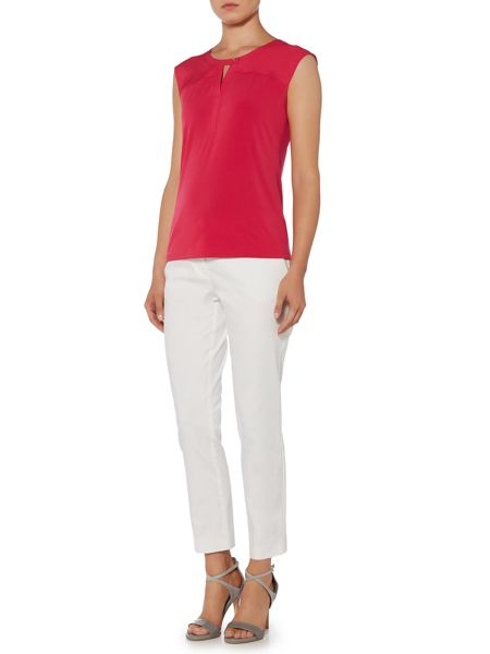 Episode Sleeveless top with buttoned keyhole neck