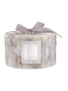 Linea White christmas 5 wick botanical candle
