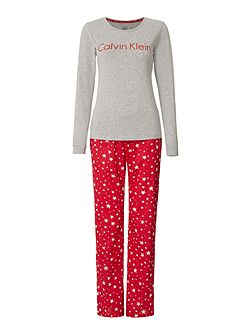 Red star holiday pyjama gift set