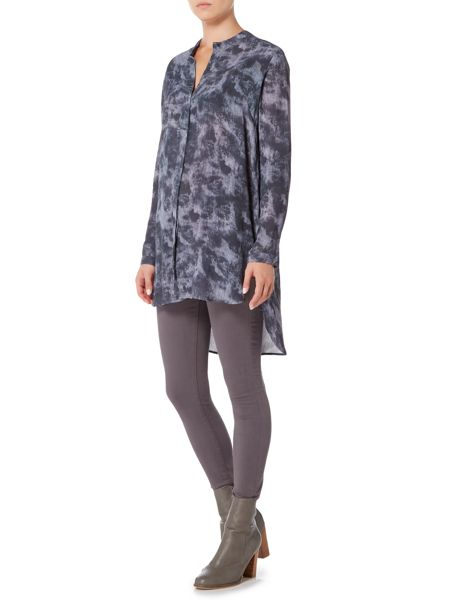 Gray & Willow Gabi printed longline shirt