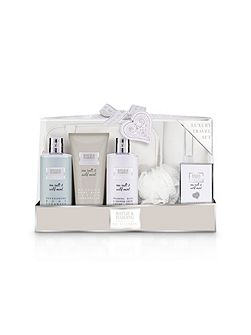 La Maison Luxury Travel Set