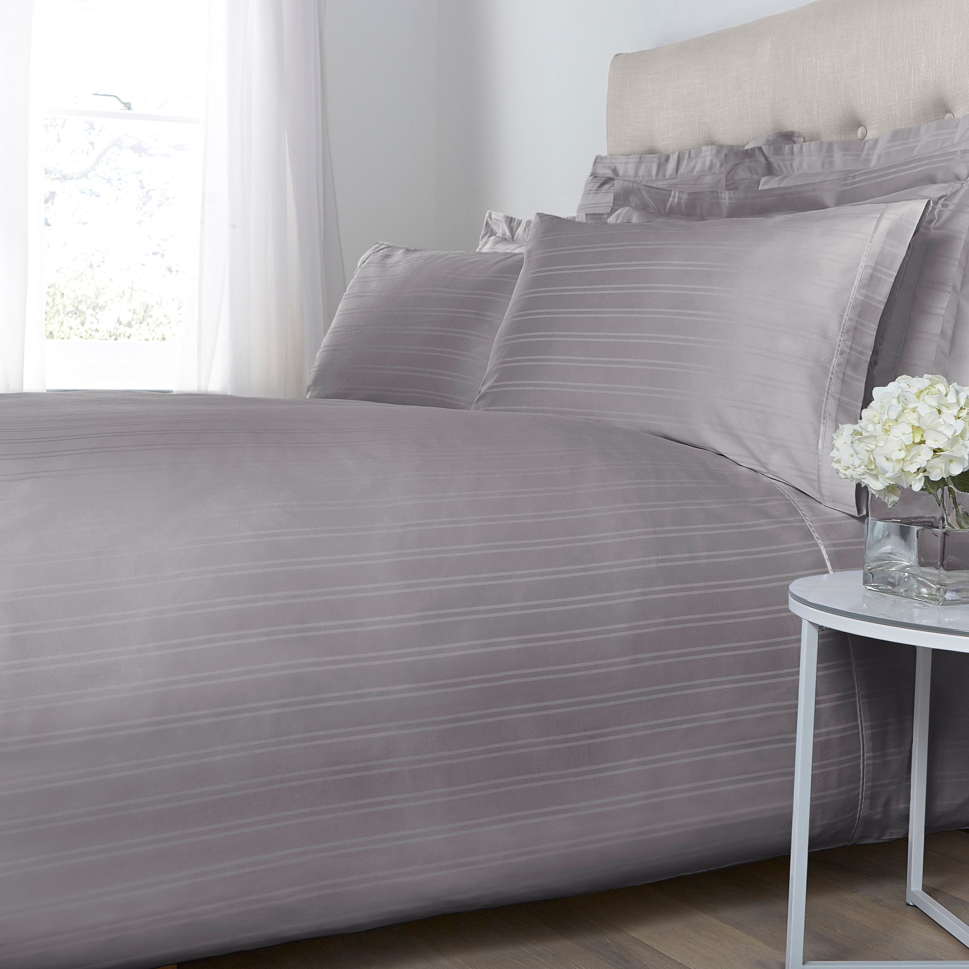 Luxury Hotel Collection Luxury Hotel Collection Dobby stripe deep fitted sheet