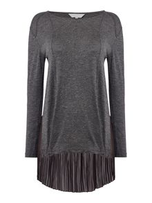 Gray & Willow Daphne graduated pleat back top